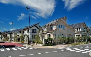 道路と住宅_s