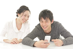 couple_smartphone_family_s